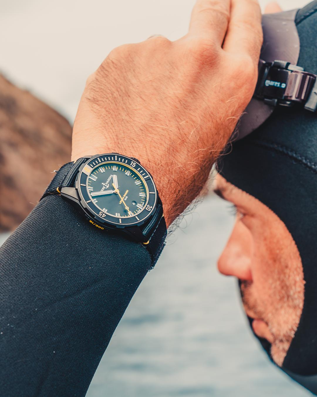 Diver Lemon Shark Mezger Uhren und Juwelen